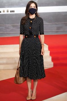 Princesa Mary, Day Dresses, Dresses For Work, Executive Woman, Danish Royals, Crown Princess Mary, Mary Elizabeth, Family Outfits, Dress Hats