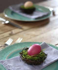 Natural Easter Egg Dyes in Mason Jars | eHow Home. Enjoy! You could even use all edibles-Spinach shredded or spaghetti squash instead of Sanish moss. Get creative. ;-)