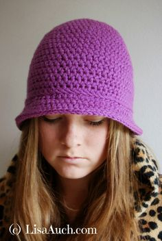 FREE crochet pattern for women's hat with brim by LisaAuch