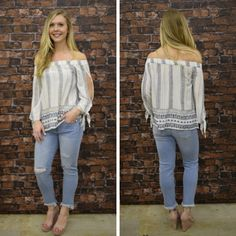 TRUE LOVE OFF THE SHOULDER TOP $55 #springfashion #spring  #fashionista #shoplocal #aldm #apricotlaneboutique #apricotlanedesmoines #shopaldm #desmoines #valleywestmall #fashion #apricotlane  #newarrival  #shopalb  #ootd #westdesmoines #shopapricotlaneboutiquedesmoines #ontrend #instafashion