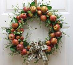 Rosh Hashana: Apple Wreath