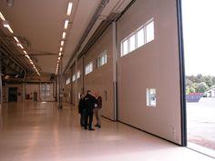 Hangarport Säve, Portystem 2000 Dockningshus, portar och specialmaskiner by Gustav Källner.