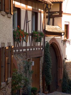 lovely old house with gate to backyard, Weinheim, Germany - we volksmarched in this town. Tudor, Cabin Design, House Design, German Houses, Visit Germany, Places To See, Netherlands, Pergola, Beautiful Places