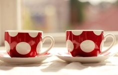 red, polka dots, and tea. 3 favorite things in one simple picture. Red Dots, Polka Dots, Coffee Cups, Tea Cups, Coffee Gif, Espresso Cups, Meneses, Red Cottage, Deco Boheme