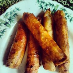 pinoy food.. My version of Turon.. mini turons =)