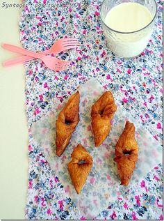 donut like ears Greek Desserts, Greek Recipes, My Recipes, Recipies, The Kitchen Food Network, Greek Cooking, Food Network Recipes, Food And Drink, Sweets
