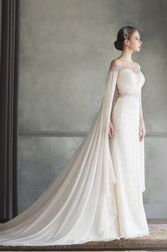 แฟชั่นชุดเจ้าสาวแบบมีแขนอีกทางเลือกของสาว ๆ ที่ไม่ชอบใส่เกาะอก | Happywedding.life Happywedding.life รวมสถานที่แต่งงาน ชุดแต่งงาน ข้อมูลการแต่งงาน