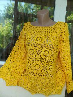 Blusa em croche Crochet Jumper, Crochet Crop Top, Crochet Jacket, Crochet Blouse, Knit Crochet, Knit Dress, Crochet Doll Clothes, Crochet Dolls, Knitting Patterns