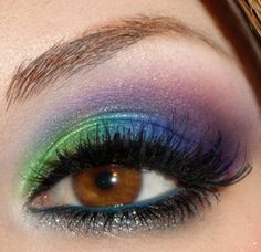 Very beautiful!!! I want to do my eye make up like this!!!