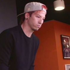 smol josh why does he look so sad?? They aren't supposed to feel sad anymore.