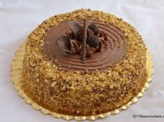 Tort grilias cu ciocolata si nuci caramelizate Delicious Desserts, Yummy Food, Sweets Recipes, Something Sweet, Caramel Apples, Nutella, Food And Drink, Cookies, Baking