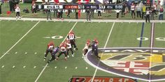#CincinnatiBengals tie the game on the final play of regulation with a Hail Mary TD to A.J. Green. Ridiculous to see.