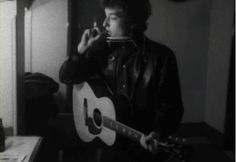 ♡♥Bob Dylan takes a puff - click on GIF♥♡