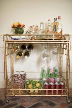 Interior Decorating Plans for your Home Bar – Gold Bar Cart Home Bar Decor, Bar Cart Decor, Diy Bar Cart, Bar Cart Styling, Küchen Design, House Design, Design Ideas, Liquor Cart, Home Bar Areas