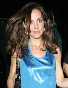 Kate Middleton leaving Mamilanji on Kings Road before returning home. She is looking very tired with bags under her eyes.