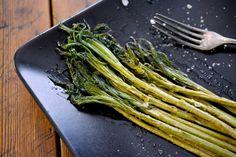 Parsaa... eipäs kun maitohorsmaa My Cookbook, Asparagus, Green Beans, A Food, Grilling, Healthy Living, Vegetables, Nature, Vegetable Garden