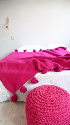 Moroccan POM POM Wool Blanket Pink by lacasadecoto on Etsy
