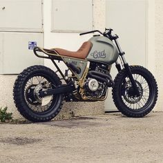 Can't wait to see how this Honda NX650 finishes up from @caferacerdreams. Perfect mix of beauty and functionality. #nx650 #honda #enduro #tracker #dirtbike #streettracker #crd62 #dropmoto