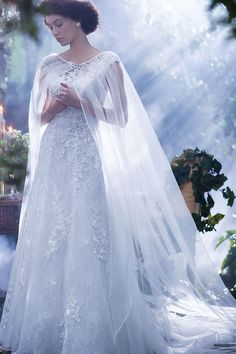Which Disney Princess Wedding Gown Should You Get Married In? - Mom Dress Casual - ideas of Mom Dress Casual - Snow White Wedding Dress from the Alfred Angelo Collection Snow White Wedding Dress, White Bridal, Tulle Wedding, Dream Wedding, Ivory Wedding, Wedding Dress Cape, Wedding Shawls, Snow White Dresses, Fairy Wedding Dress
