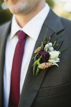 pinecone boutonniere | Sara & Rocky #wedding