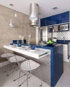 @Regrann from @lardocecasa - Incrível a ideia de BANCADA RETRÁTILLLLLL para quem está com pouco espaço, o silestone azul e a pastilha em inox fizeram uma composição perfeita, eu amei e vocês? Projeto @moniserosaarquitetura Foto @flaviaribeirofotografia #lardocedecor #decor #decoracao #kitchen #cozinha #olioliteam #arquitetura #homedecor #homestyle #decorhome #instadecor #mood #ootd #Regrann