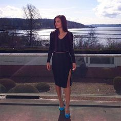Sunny moments back in Seattle ☀️ Heading out to lunch wearing @MadisonSquareClothing and @IvankaTrump heels.