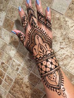 Henna Tutorial, Henna Designs, Hand Henna, Mehndi, Hand Tattoos, Travel, Henna Art Designs, Henna, Hennas