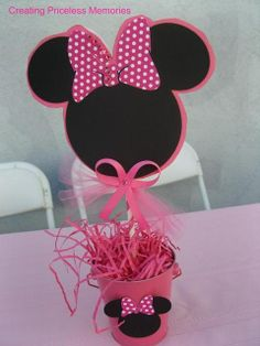 Minnie mouse center piece