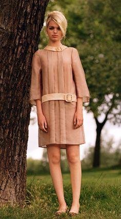 Daphne Groeneveld in drop waist dress