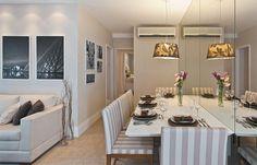 Sala de jantar muito estreita, mas com o espaço incrivelmente bem aproveitado.  http://www.decorfacil.com/salas-de-jantar-pequenas/