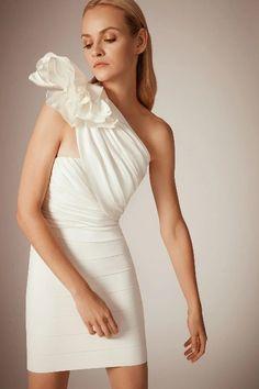 Herv¨¦ L¨¦ger Pre-Fall 2020 Fashion Show - Vogue Fashion Line, Runway Fashion, Fashion Show, Girl Fashion, Fashion Dresses, Stylish Dresses, Fashion 2020, Classy Work Outfits, Lit Outfits