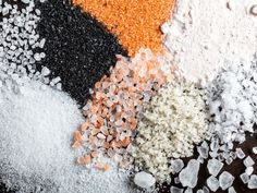 Everything you need to know about the vast and varied world of edible salt, including the differences between all the types of salt you'll see on the market. Popular Recipes, Popular Food, Best Edibles, Salt Flakes, Mineral Salt, Mouth Watering Food, Food Journal, Recipe Journal, Gourmet