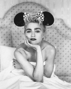 Madonna by Herb Ritts in 1987 Madonna Fancy Dress, Madonna 80s, The Immaculate Collection, Madonna Pictures, La Madone, Herb Ritts, Classic Image, Norma Jeane, Pop Singers