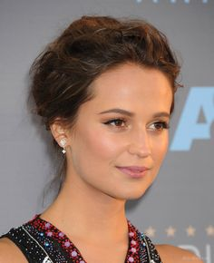 alicia vikander makeup