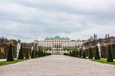The gardens at the Belvedere Palace in Vienna. Vienna Austria, Photo Essay, Luxury Travel, Best Hotels, Travel Guide, Palace, Travel Destinations, Louvre, Europe