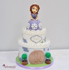 Sofia the first cake - Cake by Naike Lanza