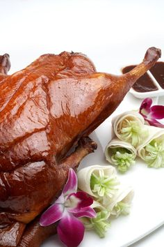 Peking Duck, Celestial Court in the Sheraton Hong Kong - hairy chest Indian Food Recipes, Asian Recipes, Asian Foods, Chinese Roast Duck, Chinese Food, Roasted Duck Recipes, Best Chicken Dishes, Food Photography Lighting, Cantonese Food