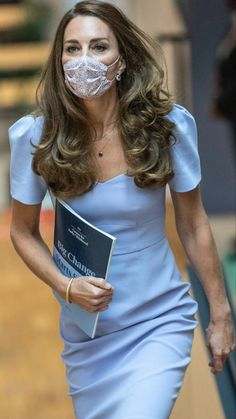 Kate Middleton Outfits, Kate Middleton Dress, Middleton Family, Princess Kate Middleton, Kate Middleton Style, Prince Harry And Kate, Prince William And Kate, Duchess Kate, Duchess Of Cambridge