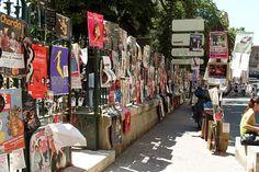 Avignon - Fondé en 1947 par Jean Vilar, le Festival d'Avignon est aujourd'hui l'une des plus importantes manifestations internationales du spectacle vivant contemporain. Chaque été en juillet, dans la cour d'honneur du Palais des papes, dans de multiples théâtres et lieux du centre historique, la ville au rythme des arts de la scène.