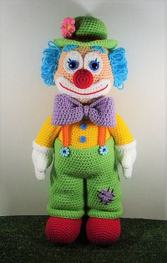 Dewey The Clown is a fun colourful fellow. Finished doll is about inches tall if using worsted weight yarn. Dewey The Clown is a fun colourful fellow. Finished doll is about inches tall if using worsted weight yarn. Knitted Doll Patterns, Crochet Doll Pattern, Knitted Dolls, Amigurumi Patterns, Crochet Dolls, Crochet Patterns, Es Der Clown, How To Start Knitting, Crochet Hook Sizes