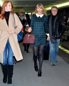 Taylor Swift Arrives in Japan - Pictures - Zimbio
