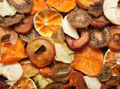 sušení ovoce, jak sušit ovoce v domácí sušičce, sušené ovocné placky, křížaly