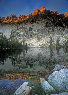 Alpine Creek lakes area of Sawtooth Wilderness, Idaho; photo by .Fred Stillings Beautiful World, Beautiful Places, Moving To Idaho, Sawtooth Mountains, Boise Idaho, Walking In Nature, Hiking Trails, Waterfalls, Beautiful Landscapes