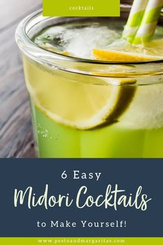 Want to make some stunning green cocktails? Then what you need is Midori! This Japanese liqueur is melon flavoured and has a brilliant green colour that makes the most amazing drinks. Check out these six easy Midori cocktails to make yourself and serve Triple Sec Cocktails, Easy Cocktails, Fun Drinks, Yummy Drinks, Mixed Drinks, Alcoholic Drinks, Beverages, Midori Cocktails, Cocktails