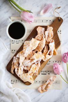 Faworki babci Irenki - przepis Marty Polish Recipes, My Recipes, Polish Food, Cereal, Breakfast, Desserts, Thursday, Cakes, Cake