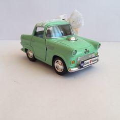 Yeşil Vintage Araba Nikah Şekeri ön görünümü..