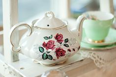 Vintage China teapot and tea set at Rosie Loves Vintage
