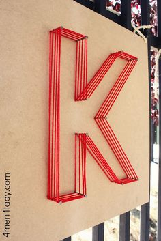 Method of Making String Art Letters - Diana Phoneix Method of Making String Art Letters - You must have seen some beautiful string art projects? If you are also interested in making one on your own, then don`t worry it is really easy. String Art Letters, Nail String Art, Large Letters, Wall Letters Decor, Diy Letters, Atelier Theme, Diy And Crafts, Arts And Crafts, Skate Party