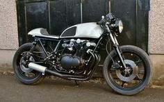 Suzuki GS750 Cafe Racer by Robinsons Speed Shop #motorcycles #caferacer #motos | caferacerpasion.com