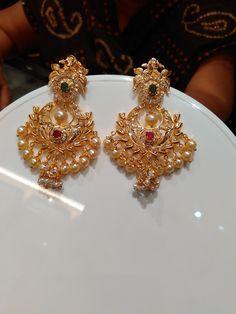 Gold Earrings For Women, Gold Bridal Earrings, Gold Wedding Jewelry, Bridal Jewelry, Gold Jewelry, Jewelry Design Earrings, Gold Earrings Designs, Gold Bangles Design, Gold Jewellery Design